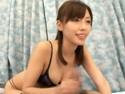 「卒業出来たねっ」横山美雪がコスプレ姿で童貞くんを絶頂快楽へと導く
