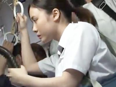 「やだ!やめッ」爆乳JKがバス内で痴漢魔に襲われ悶絶!