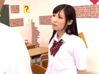 「ちょっとだけだから」クラスメイトからザーメン巻き上げる淫乱JK!
