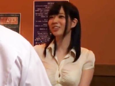 ぷるぷる巨乳の美少女が美容の為に来たマッサージ店でチンポ挿入されて痙攣絶頂