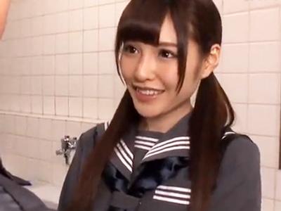清楚で可愛い美少女JKが欲情したハゲジジイにトイレで犯されてザー汁ぶっかけ