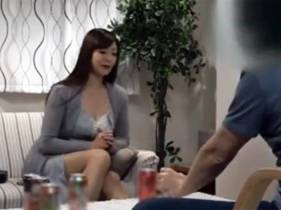 美巨乳のお姉さんをお酒で酔わせて盗撮ガチハメする一部始終が流出