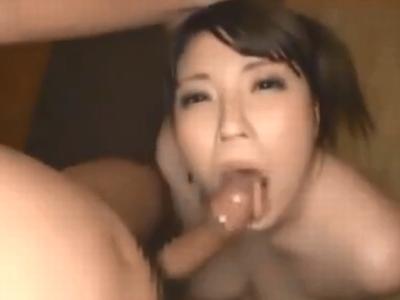 巨乳美少女がバキュームフェラ&パイズリで濃いザーメン搾り取り!