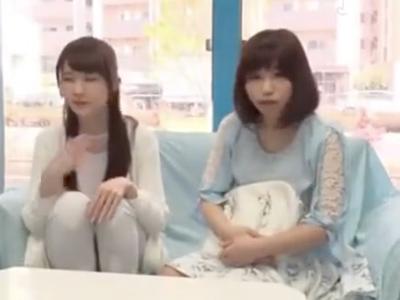 「やだ凄い勃ってる…///」MM号に乗車してしまった二人組みの素人娘を纏めてピスハメ