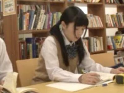 黒髪ツインテールの清楚ロリカワJKがまさかの図書室でこっそりファック