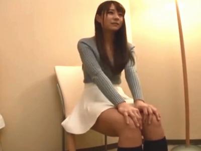 芸能人クラスの美少女をホテルに連れ込み生々しいハメ撮り!