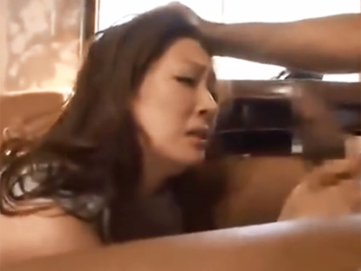 生意気な視線で男を誘惑した美人妻が下克上ハメされてマジイキ