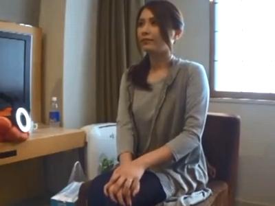 買い物帰りの美人妻をナンパ→ホテルに連れ込み即ハメ性交!