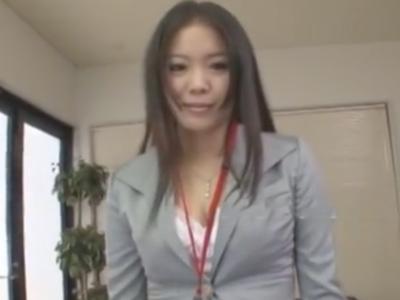 社内の性欲処理担当としてフェラ抜きして回る巨乳OLさん