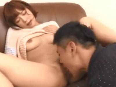 痙攣しながら敏感に反応する紗倉まなの膣奥に濃いザーメン中出しw
