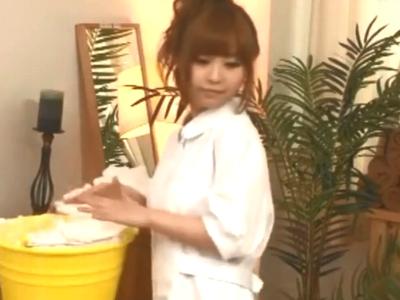 「まだイっちゃダメですぅ」激カワマッサ嬢が客のチンポを握りしめ手コキ抜き!