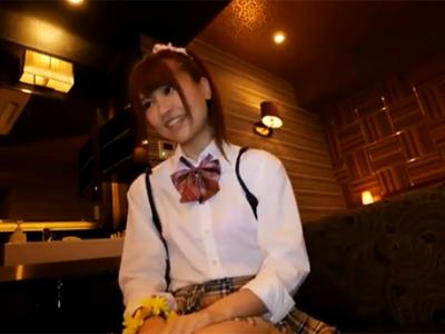 制服姿の美少女JKとの円光パコで遠慮なく若いマンコに生中出し