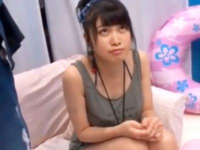 アイドル顔の20歳素人JDが短小チンポのガチ素人童貞を筆おろし挑戦!