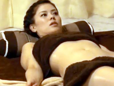 意識高そうなセレブ素人妻が高級オイルエステで生パコされる一部始終流出