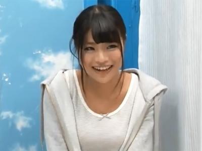 笑顔が素敵な素人娘が緊張しつつもデカマラに興奮して濃密パコ