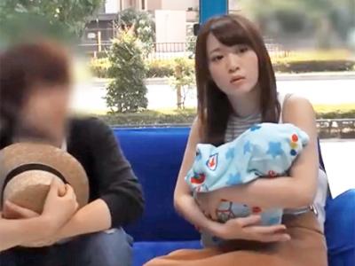出産したばかりの素人の美人妻が旦那に子供を預けてMM号でぶっかけガチハメ