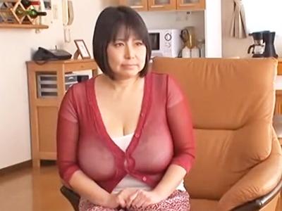 暫くご無沙汰だった巨乳熟女が若い男のチンポで昇天イキ