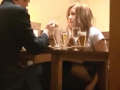 居酒屋でナンパしたギャルと我慢できずにその場でぶっかけパコ!
