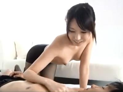 「ここ気持ちぃの?w」ねっとり御奉仕してくれるお姉さんの生膣に包まれたままザーメン中出し