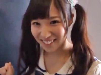 「気持ちイイよぉ」アイドル顔の美少女がチンポに股がり即挿入w